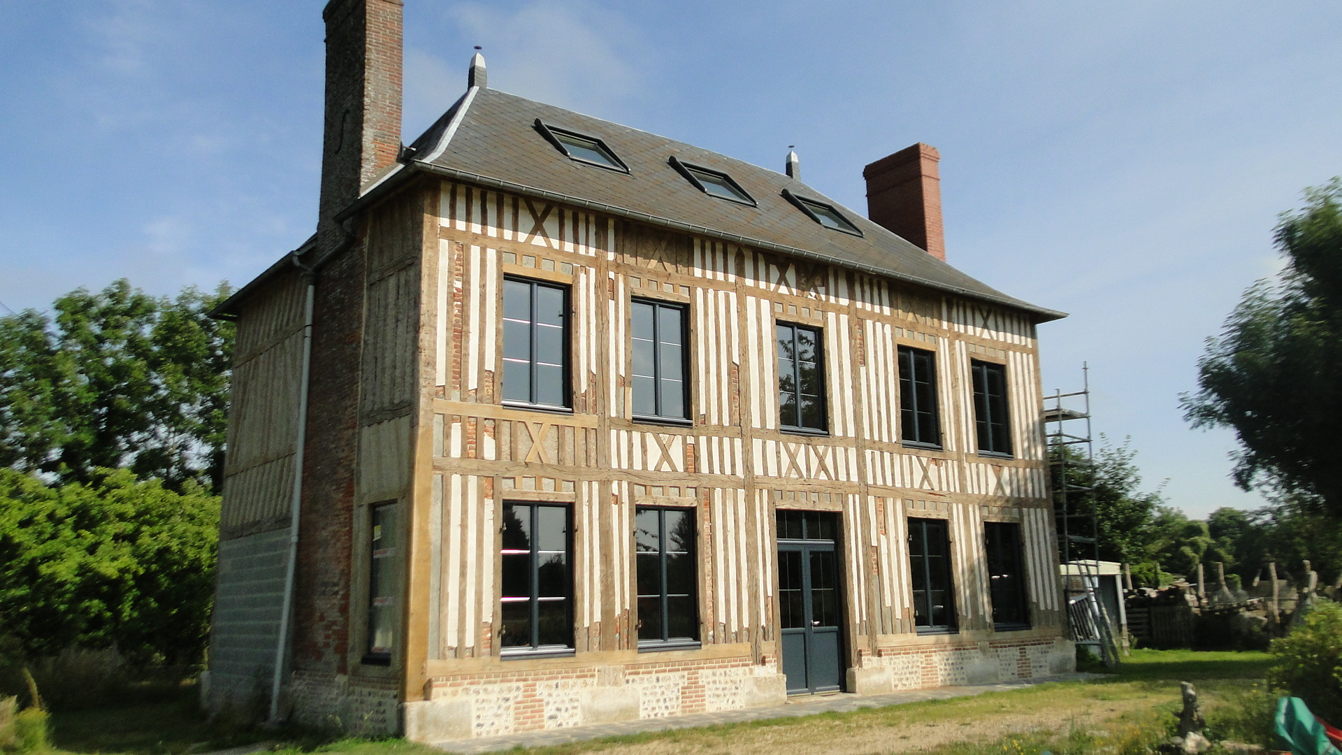 renovation maison colombage normandie
